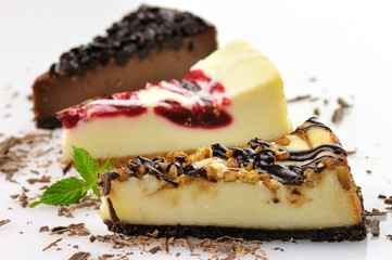 slices of cheesecakes