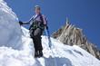 Alpiniste sous l'Aiguille du Midi