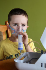 Nebuliser therapy, inhalation mask