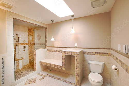 Shower in natural stone
