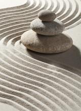 Welle zen Sand und drei Rollen