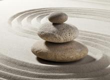 Zen-Garten mit Sand und Kies