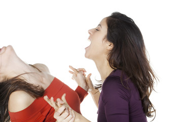 deux filles copines riant aux éclats