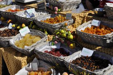 Étalage de fruits confits
