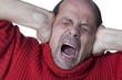 douleur atroce d'homme mûr stressé