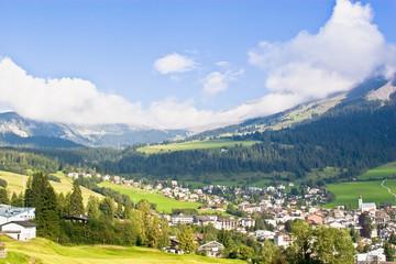 Ein Blick auf ein schweizer Dorf