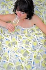 In Geld baden