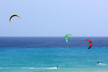 kitesurfeurs