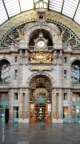 Leinwanddruck Bild Historical Antwerpen-Centraal railway station