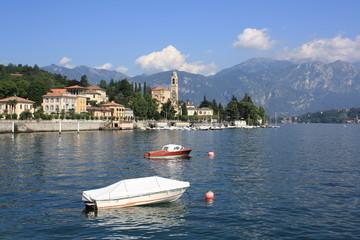 Boats in Como la