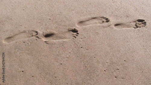 Footprints on sand stop motion - HD