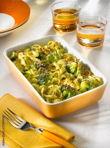 pâtes (orecchiette) gratinées avec des brocolis