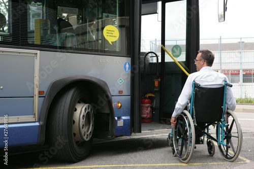 Handicap Bus - 27649816