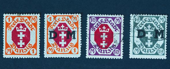 4 timbres de Dantzig