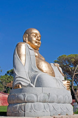 Buddha sitting praying