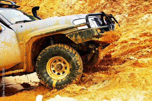Off roading thrill - 27729280