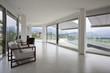salotto design con molte finestre