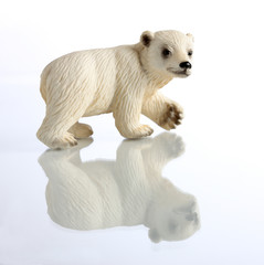 Statuette of a polar bear