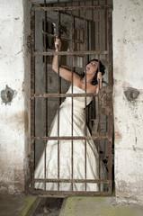 Braut hinter Gittern