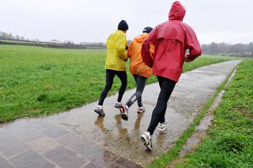 Running sotto la pioggia