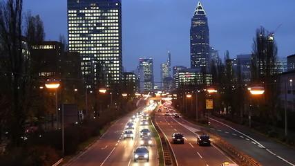 Stadtverkehr - Abends - Frankfurt