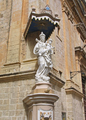 Statue of Virgin Mary and Jesus in Mdina, Malta