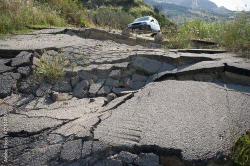 Broken Road - 27840450