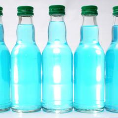 blaue flaschen