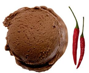 Eine Kugel Eis, Schoko-Chilli-Eis, Schokoladeneis mit Chilli