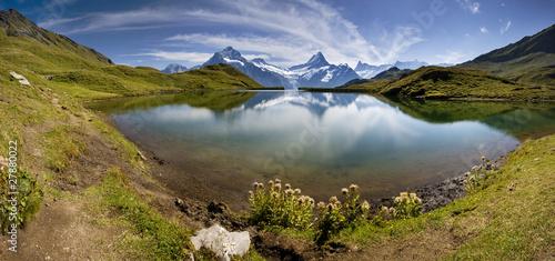 jezioro-z-szwajcarska-gorska-refleksja-szwajcaria-