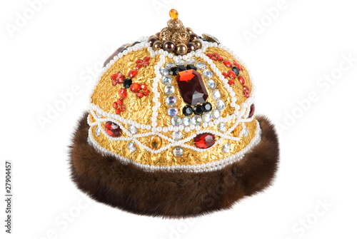 Regal kings fur crown