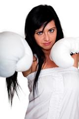 Junge Frau mit Boxhandschuhen 108
