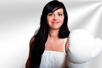 Junge Frau mit Boxhandschuhen 117h