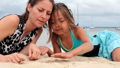 montrer sur la plage