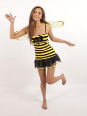 Eine fliegende süsse Biene