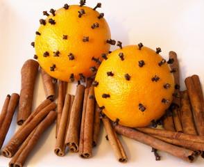 pomarańcze i cynamon