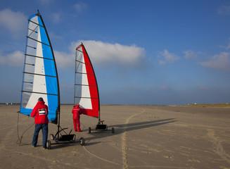 landsailing on the beach