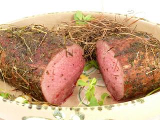 Roastbeefbraten an Heu