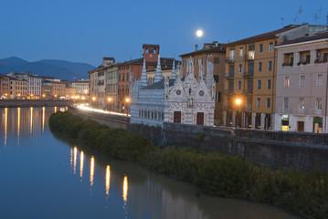 Night in Pisa, Lungarni View