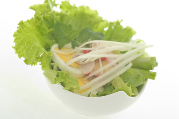 Delicious Thai egg salad with chilli and mango
