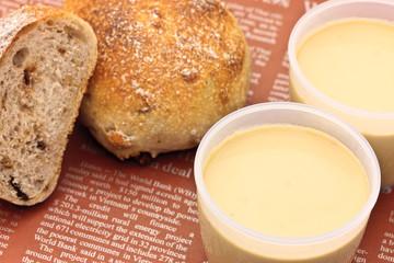 プリンとパン