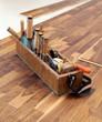 Werkzeugkasten eines Schreiners auf parkett 3