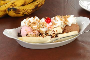 A banana split