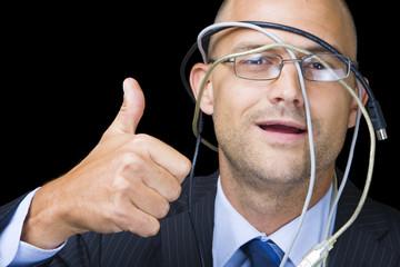 Hombre con Cables
