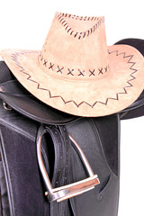 Sattel und Cowboyhut
