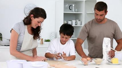 Family baking cakes