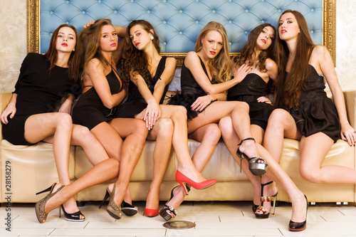 Group portrait of models - 28158279