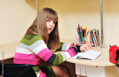 writing teen girl