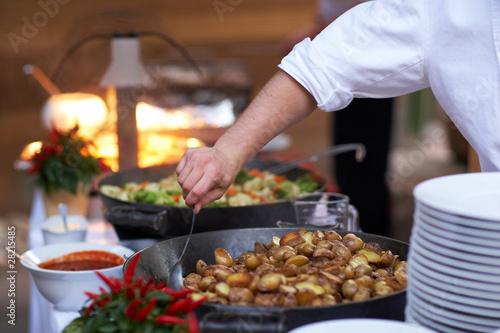 In de dag Buffet, Bar Kartoffeln in Pfanne