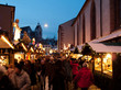 Rue décorée du marché de Noël